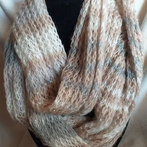Ivory, silver, and gold metallic threaded scarf!